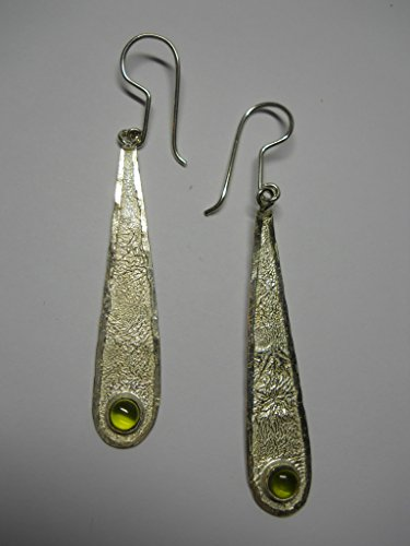 Textured Matte 925 silver contemporary drop earrings with peridot stones