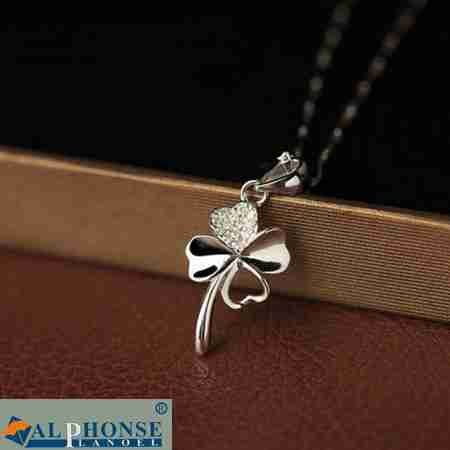 Generic Bao_Chardonnay_ silver _four-leaf_clover_ necklace pendant women girl Korean student simple clavicle chain pendant necklace jewelry birthday present _for_his_ girl friend (Silver Chardonnay)