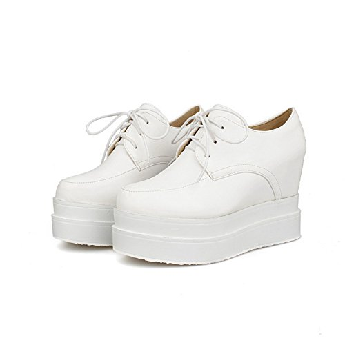 VogueZone009 Women's Round Closed Toe Lace-up PU Solid High-Heels Pumps-Shoes White TBlSd