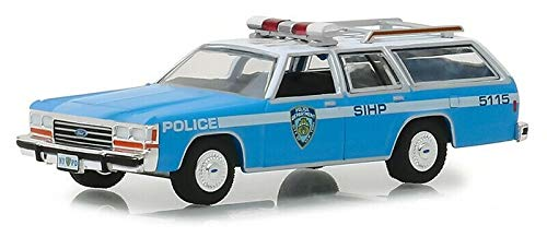 Greenlight 42870-C Hot Pursuit Series 30 1988 Ford LTD Crown Victoria Wagon New York City Police Dept NYPD 1:64 Scale