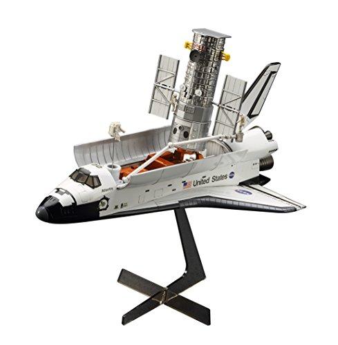 Hasegawa 1/200 Hubble Space Telescope & Space Shuttle Orbiter with Astronauts Model Kit(Japan Import)