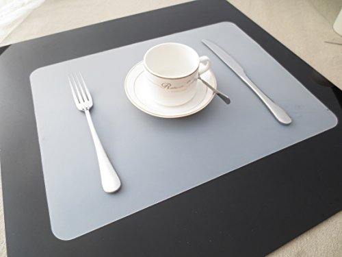 Clest F&H Heat-resistant 11.8'' x 17.1'' Silicone Placemats Washable Non-slip Insulation Mats For Dining Table (set of 2)- Transparent by Clest F&H