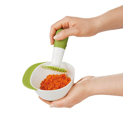 OXO Tot Mealtime Starter Value Set with Roll-up Bib, Feeding Spoons, Food Masher and Four 4oz Baby Blocks Freezer Storage Containers by OXO Tot (Image #14)