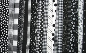 Black Fat Quarter - FAT Quarter ~ Set of 4 100 % Cotton ~ Black & White ~ Quilt Fabric ~ Crafts ~ Sewing