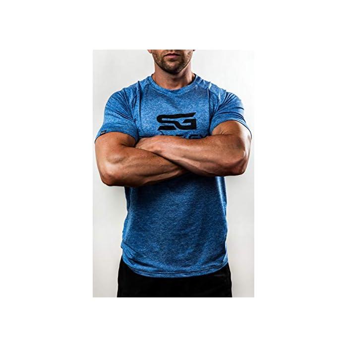 41n2grfIL L ✔️ acentúa los músculos: esta camiseta de fitness acentúa los músculos pectorales y hace que los hombros se vean más anchos mientras entrenas. ✔️ Movilidad: esta camiseta de entrenamiento para hombre permite una movilidad completa y por lo tanto es adecuada para todos los deportes. ✔️ Ropa funcional – esta camiseta de gimnasio se compone de un material de secado rápido que reduce considerablemente la transpiración (Material: 93% poliéster, 7% elastano)