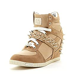 J75 by Jump Women's Aurora Studs Wedge Sneaker Beige 5 M US