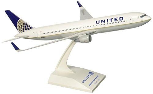 767 300 Airplane - Daron Skymarks United 767-300ER Post Co Merger Liv Model Kit (1/150 Scale)