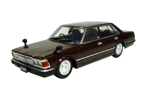 1/43 430セドリック 4ドアセダン 200E GL 後期型(ブラウン)