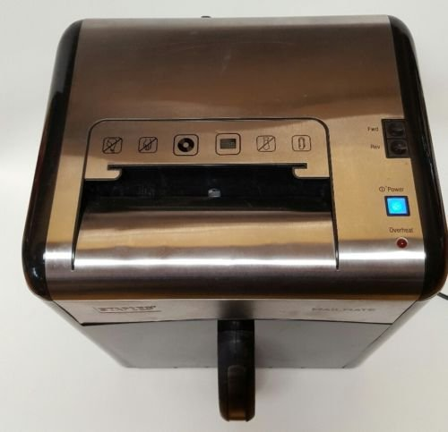 staples-mailmate-heavy-duty-cross-cut-junk-mail-desktop-shredder-spl727mm