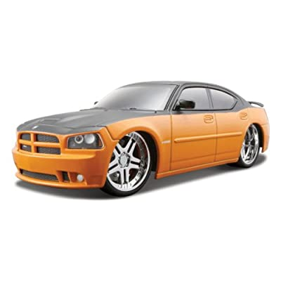 1:24 Maisto Orange 2006 Dodge Charger SRT8 Remote Control Car: Toys & Games