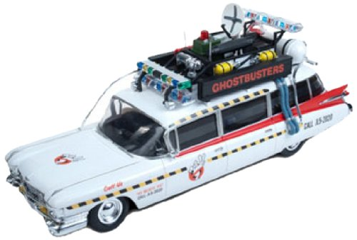 Round 2 Ghostbusters Ecto-1 1:25 Scale Model Kit Review