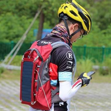 Outdoor Camping Solar Backpack Solar Hiking Bag 6.5W Solar Panel With 2.5L Water Bag by hpbg-camping-equipment
