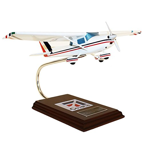 Mastercraft Collection Cessna Model C-150/152 Civil Aircraft Plane Airplane Model Scale: 1/24 (Model Airplane For Teaching)