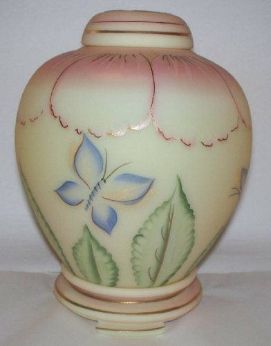 Fenton Art Glass Burmese HP Ginger Jar ()