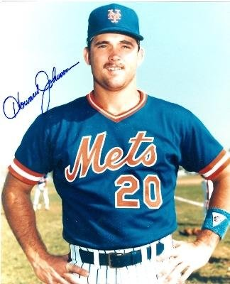 Signed Howard Johnson Photo - (8x10 (1985 Pose) - Autographed MLB (Howard Johnson Photo)