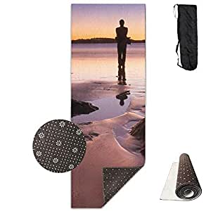 Amazon.com : wenhuamucai Man Standing On The Beach at Low