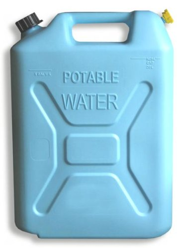 plastic water can - 1