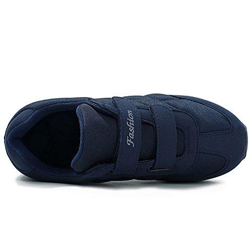 Der zufällige leichte Sneaker-rutschfeste ältere Wanderschuhe Svorhaut-Männer im mittleren Alter Blau
