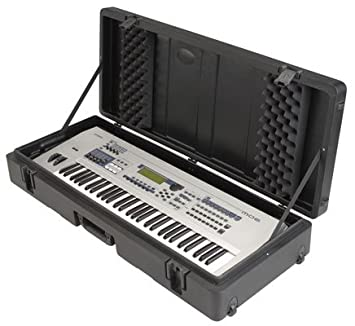 Amazon.com: SKB 1SKB-R4215 W roto moldeado 61-note Keyboard ...