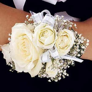 mr-bokay-nationwide-prom-flowers-rose-corsage