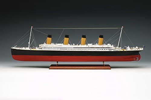 1606. Amati Modèle navire TITANIC. 1/250 échelle. Kit de montage