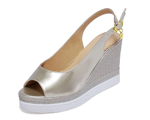 VogueZone009 Women High-Heels Solid Pull-On Patent Leather Open-Toe Sandals Gold