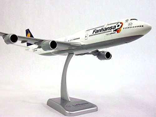 boeing-747-8-lufthansa-fanhansa-inflight-version-1-200-scale-model