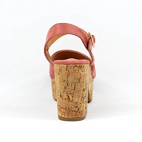 Sandalia de tacón. Puntera abierta. Tacón de corcho. Cierre mediante hebilla pulsera en tobillo. Altura del tacón 9.0 cm. Rosa