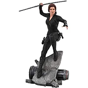41nWk5tGJeL. SS300 DIAMOND SELECT TOYS Marvel Premier Collection: Avengers Endgame Black Widow Statue, Multicolor