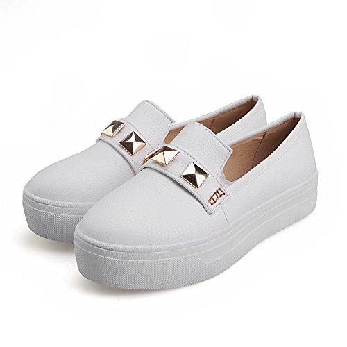 AllhqFashion Damen Rein Büffelleder Niedriger Absatz Rund Zehe Ziehen auf Pumps Schuhe Weiß