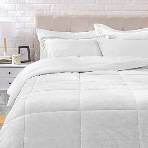 Amazon Basics Ultra-Soft Micromink Sherpa Comforter Bed Set – Gray, Full/Queen
