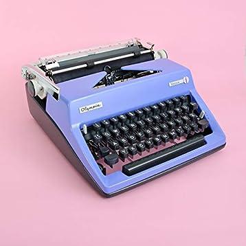Lila Schreibmaschine Olympia | retro 60er Jahre Wohnzimmer Deko ...
