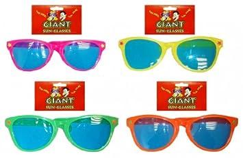 Pams Lunettes de soleil en plastique Assortiment de couleurs  Amazon ... 1e17e7162b8c