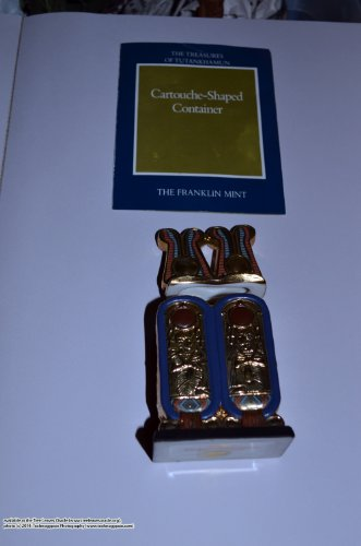 1989 Franklin Mint Collection: Egyptian Cartouche Shaped Box Figurine (Cartouche Box)