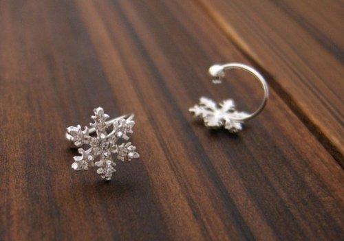 Lifelike Alloy Little Snowflake Comfy Clip-on Earrings (Model: Er010239)