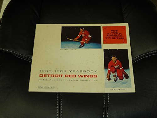 1965-1966 DETROIT RED WINGS HOCKEY YEARBOOK LOTS OF PICTURES GORDIE HOWE ()