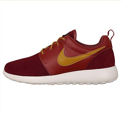 best loved 2f855 20b73 Nike Men s Rosherun Premium, CEDAR BRONZINE-DEEP BURGUNDY, 9.5 M US - Buy  Online in Oman.   Shoes Products in Oman - See Prices, Reviews and Free  Delivery ...