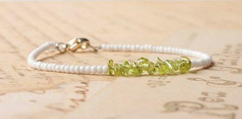 JP_Beads Peridot Bracelet, White Seed Bead Bracelet, Gemstone Chip Bracelet, Simple Bracelet, Beaded Bracelet, Minimalist Bracelet, Dainty Bracelet