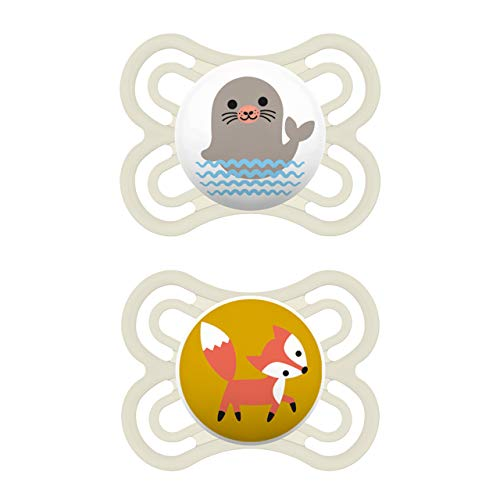 MAM Juego de 2 chupetes Perfect para un desarrollo saludable de los dientes y la mandibula, chupete para bebe de silicona especial MAM SkinSoft con caja para chupete, 0-6 meses, foca y zorro