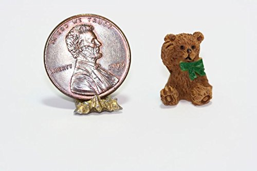 (Dollhouse Miniature 1:24 Scale Resin Teddy Bear w/Green Ribbon)