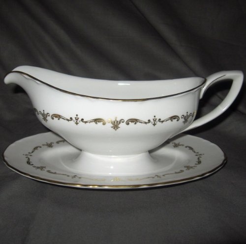 Chantilly Gravy (Royal Worcester Gold Chantilly Gravy Boat with attached Underplate)