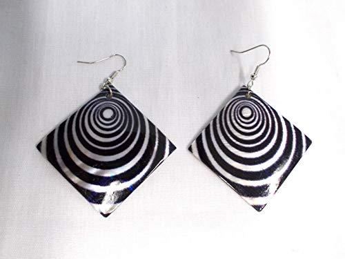 (Elegant Black Spiral Bullseye Brain Teaser on MOP Shell Square Fashion Earrings)