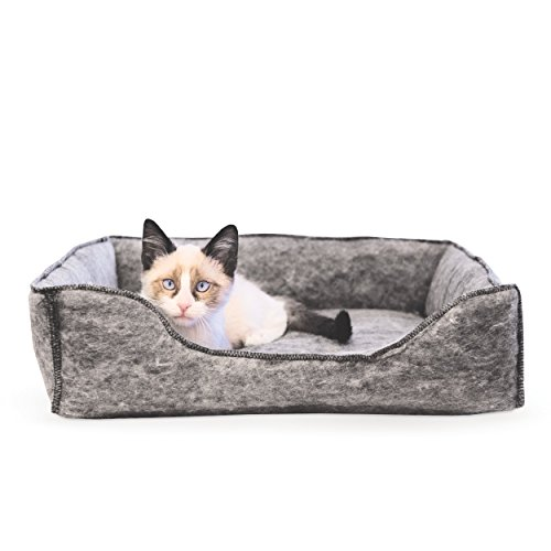 K&H Pet Products Amazin' Lounger Kitty Sleeper Cat Bed (Hooded and Unhooded) Traps Pet Hair & Dander ()