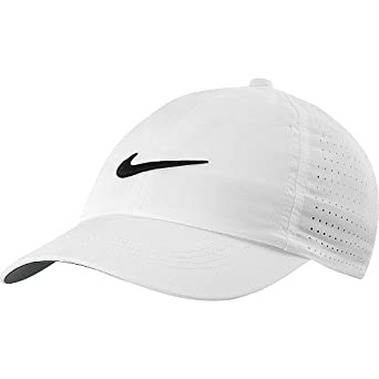 05dd60c9 Nike Junior YA Perforated Golf Cap 2013 Juniors White/Black Juniors  White/Black: Amazon.co.uk: Clothing