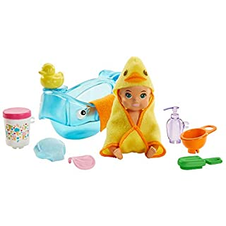​Barbie Skipper Babysitters Inc. Feeding and Bath-Time Playset with Color-Change Baby Doll, Bathtub, Popsicle Sponge and Bath-Time Accessories Including Duck-Shaped Towel