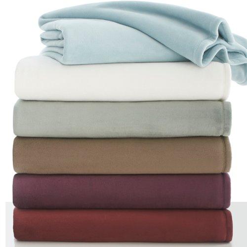 Vellux Plush Blanket King - Ivory Blanket Martex