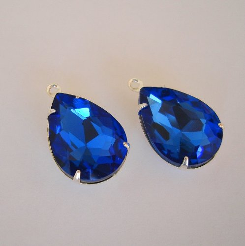 BeadsTreasure Blue Sapphire Crystal Faceted Glass Pear Teardrop in Sterling Silver Plated Brass Settings 1 Loop Charm 18 x 13 mm Closed Back Pendant Charm Jewelry Making Findings.(2 Pcs)