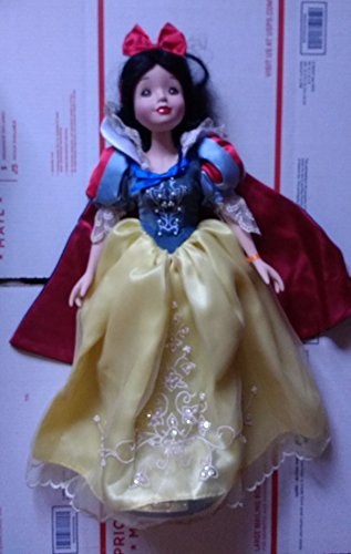 - Brass Key Keepsakes Year 2002 Disney Princess Collectible 16 Inch Porcelain Keepsake Doll - SNOW WHITE with Basket of Flowers and
