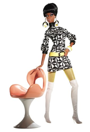 Barbie Collector Pivotal Mod Christie Giftset