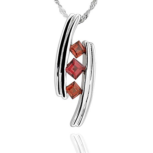 (GemsChest Sterling Silver Cube Shaped Garnet 3-Stone Pendant Necklace 17